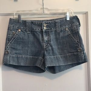 Mossimo detailed pocket shorts